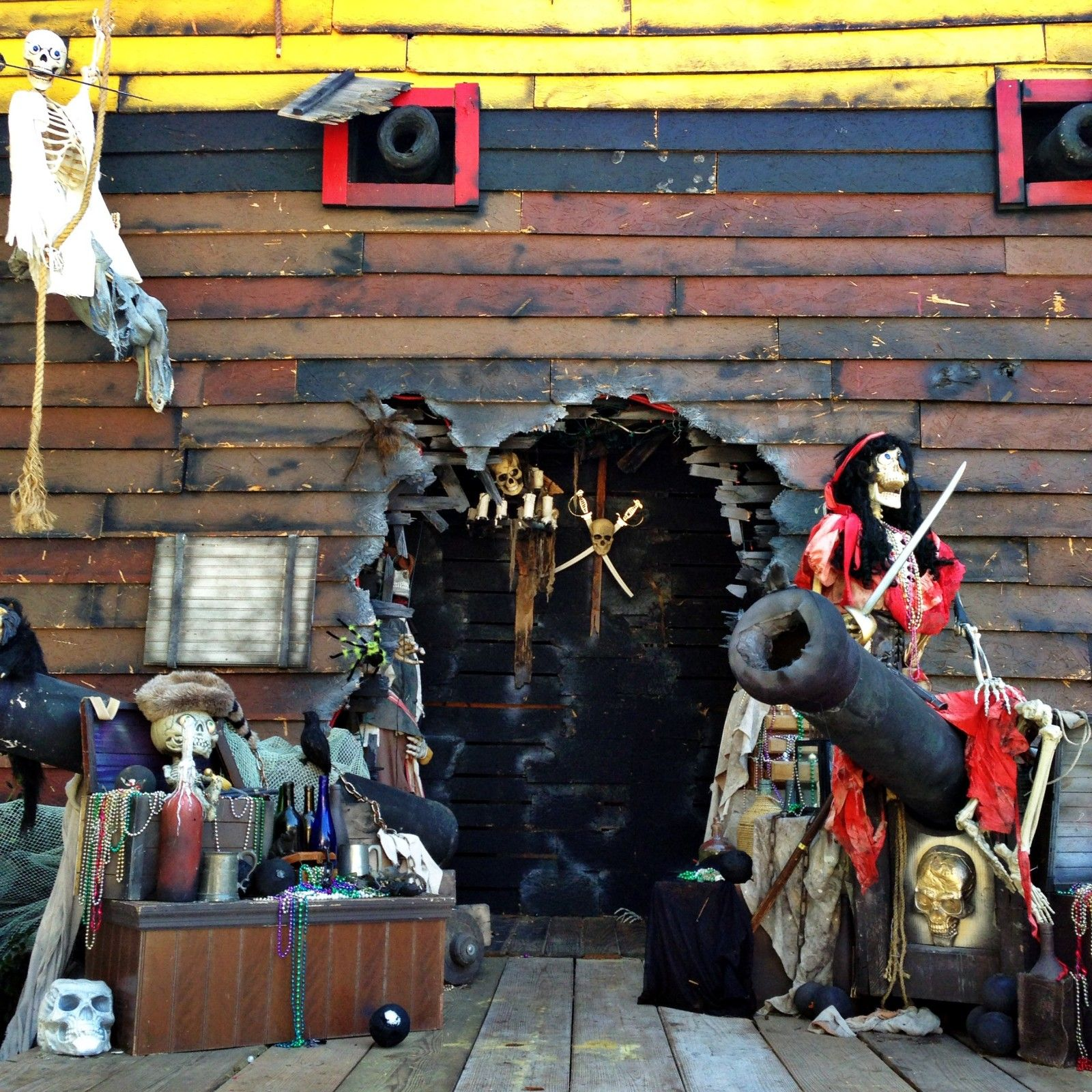 Pirate Ship doorway | Halloween Ideas | Pinterest | Pirate ships ...