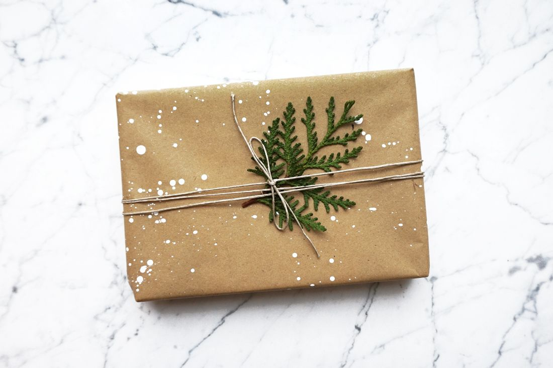 Fashionology jewelry christmas gift wrapping & packaging www.fashionology.nl  #packaging #jewelrypackaging #designpackaging #kraftpackaging #kraftbox #minimalpackaging #giftwrapping #christmaswrapping #christmaspackaging