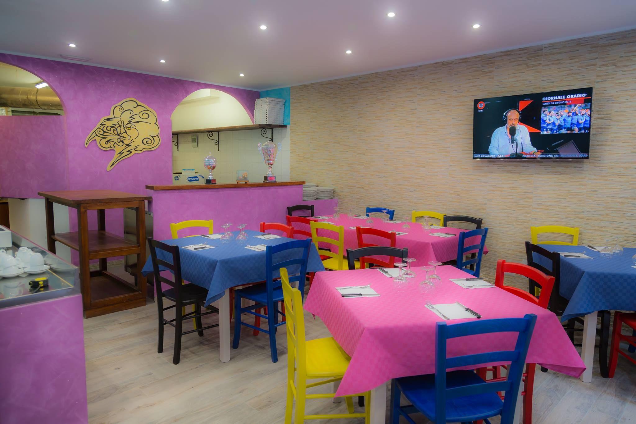 Fabbrica Sedie E Tavoli.Fabbrica Sedie Tavoli Per Ristorante Pub Pizzeria Arredi