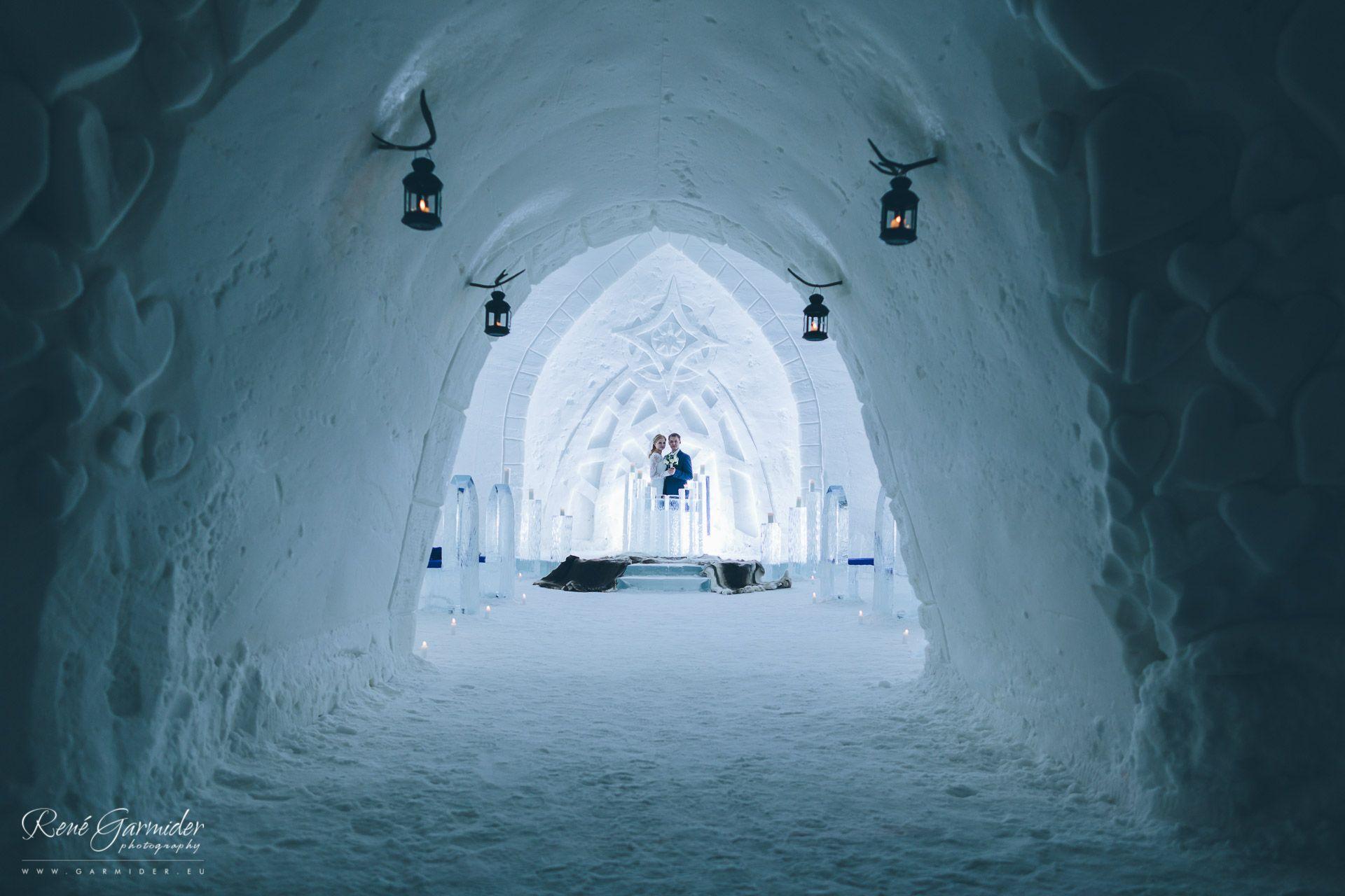 Joni And Elina Weddings In Lapland Levi Ice Chapel Luvattumaa