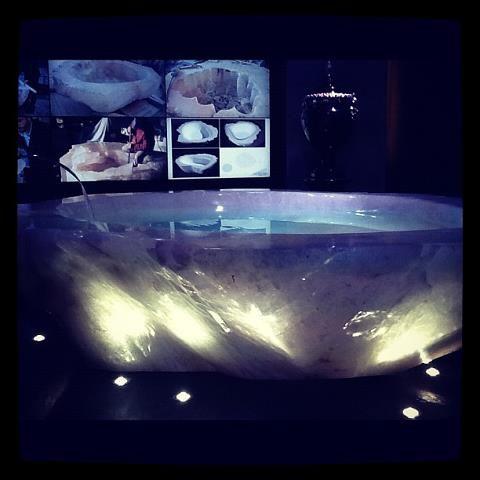 Salone del Mobile 2012: acquistata la vasca di cristallo da un ...