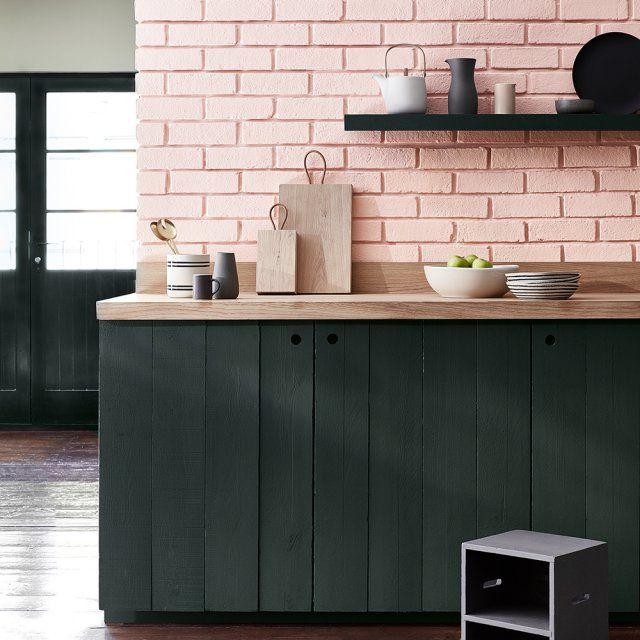 interesting peinture vieux rose little greene applique sur un mur de briques la couleur with. Black Bedroom Furniture Sets. Home Design Ideas