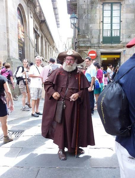 Tipico Peregrino En Santiago De Compostela Foto De Tipico Peregrino En Santiago De Compostela Camino De Santiago Santiago De Compostela Santiago