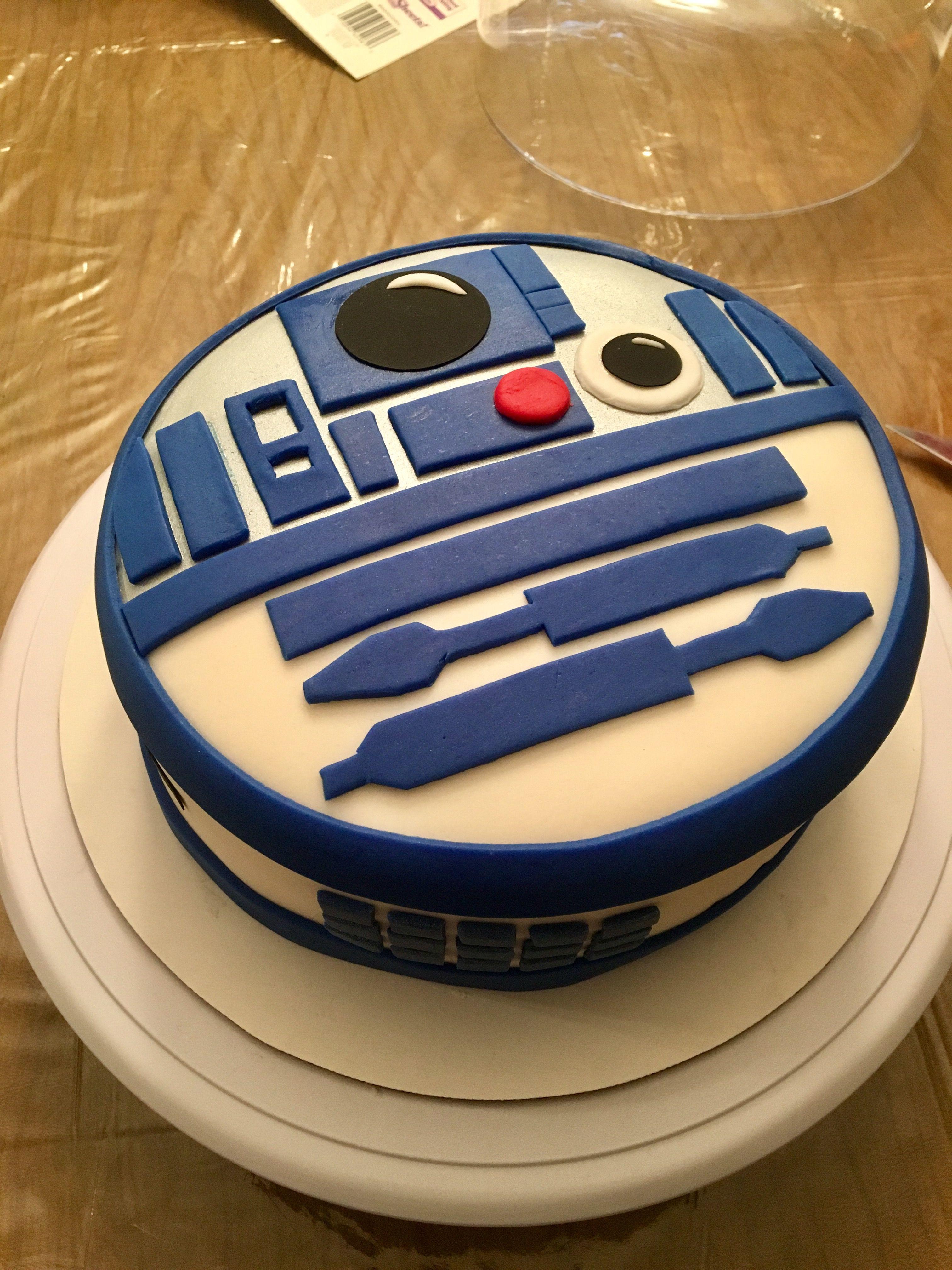 R2d2 Fondant Cake Star Wars Cake Cake War Cake