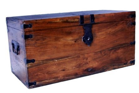 Free Plans To Make A Wooden Chest Ehow Com Wooden Chest Chests Diy Diy Storage Boxes