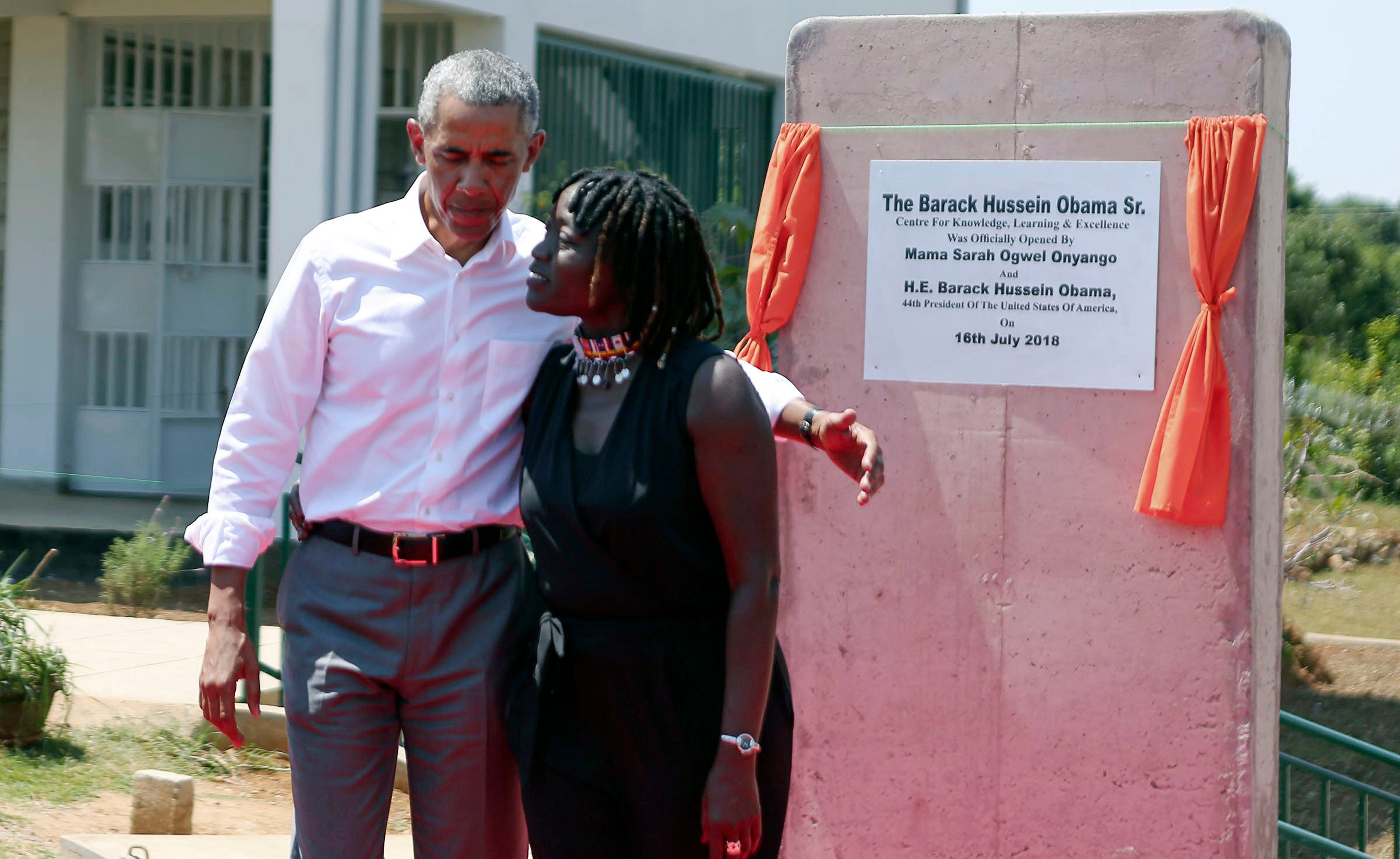 See Photos Of President Barack Obama S Historic Visit To South