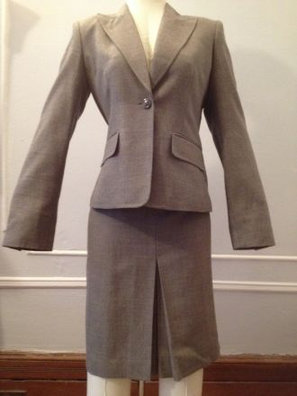 Like new 2 piece Anne Klein suit size 4. Classic design. $30