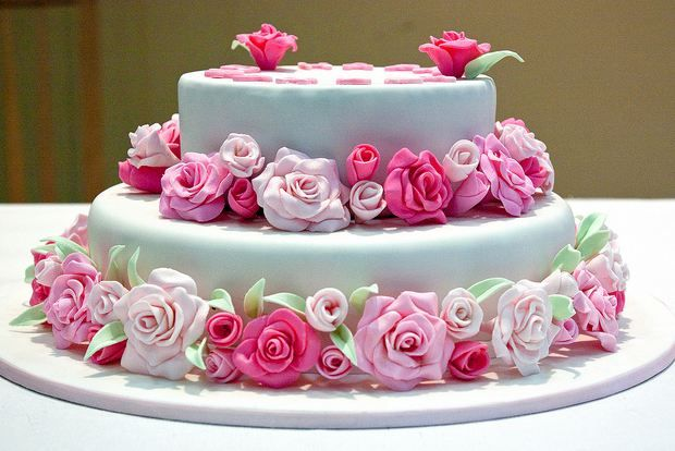 Awesome Rose Birthday Cakes Images In 2017 Beautiful Birthday Cakes Funny Birthday Cards Online Elaedamsfinfo