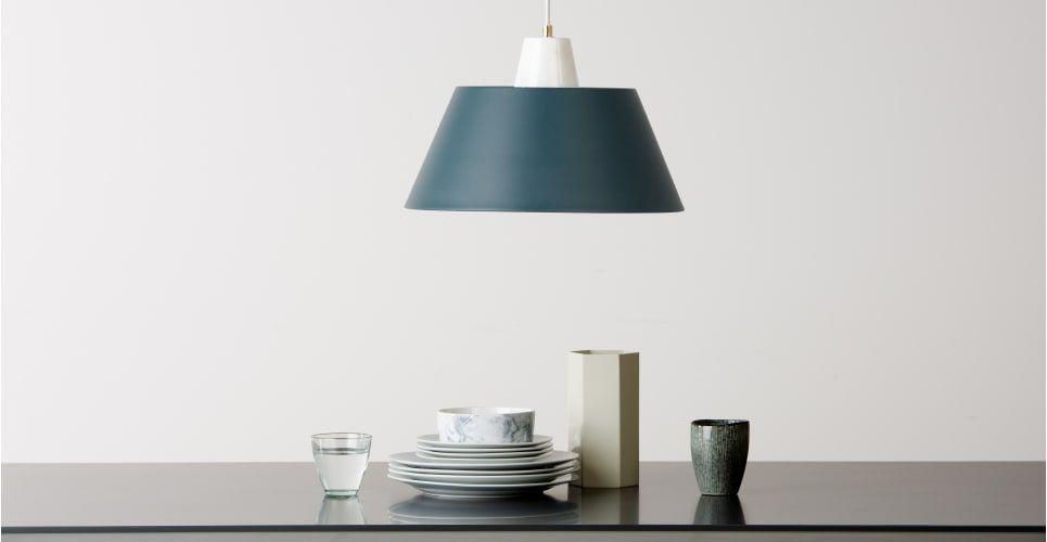 rita suspension bleu canard et laiton deco ceiling. Black Bedroom Furniture Sets. Home Design Ideas