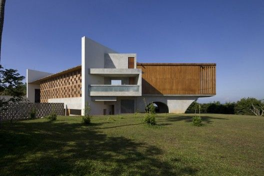 Villa Vista / Shigeru Ban Architects (Weligama, Sri Lanka) #architecture