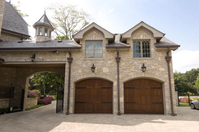 Porte Cochere Secondary Garage And With Electronic Gate Use Of Antique