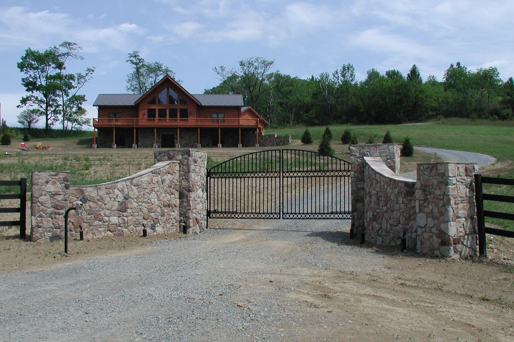 Compund walls and gate pinterest google gate design and gates - Beautiful Country Entrance Way And Gate