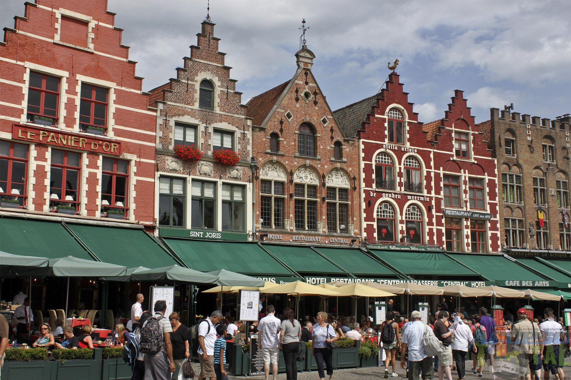 La 'Plaza del Mercado' de #Brujas -- The Markt (Market Square) in #Bruges