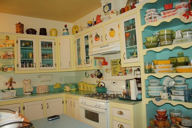 I Love Every Little Thing In This Sweet Vintage Kitchen! So Happy U0026 Fresh  Decorating Home Design Designs