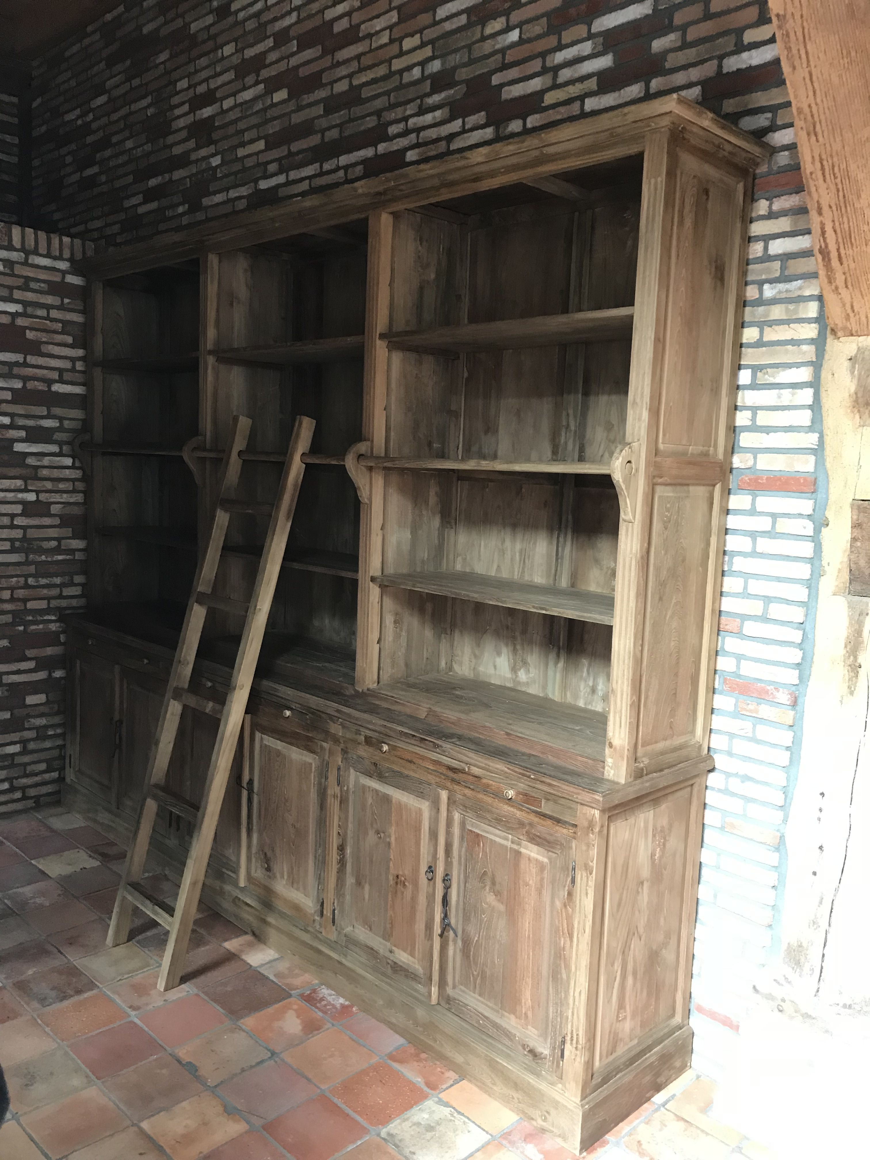 grote boekenkast met trapje in het massief teak deze royale sfeervolle teak kast is 310cm