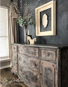 Get an Old World look with layered paint on your painted furniture.   #dododsondesigns #paintedfurniture #layeredpaint #oldworld