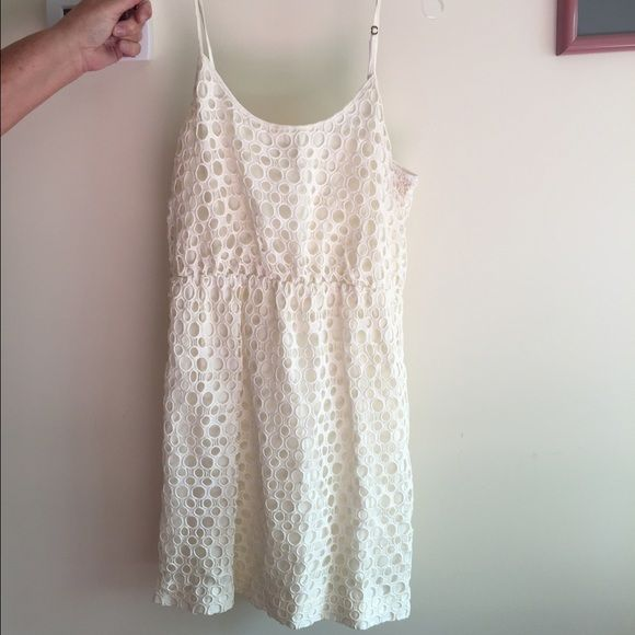 Madewell white lace dress Great condition perfect spring dress. Sinched waist and very flattering! True to size Madewell Dresses