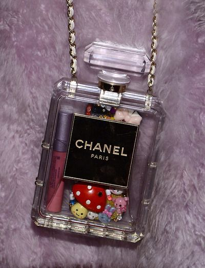Carmen loves chanel