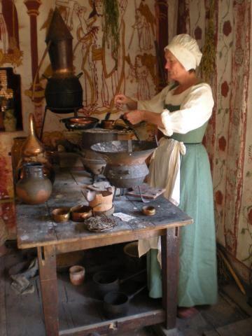 Kentwell Tudor Still Room Garb Tudor Amp Elizabethan