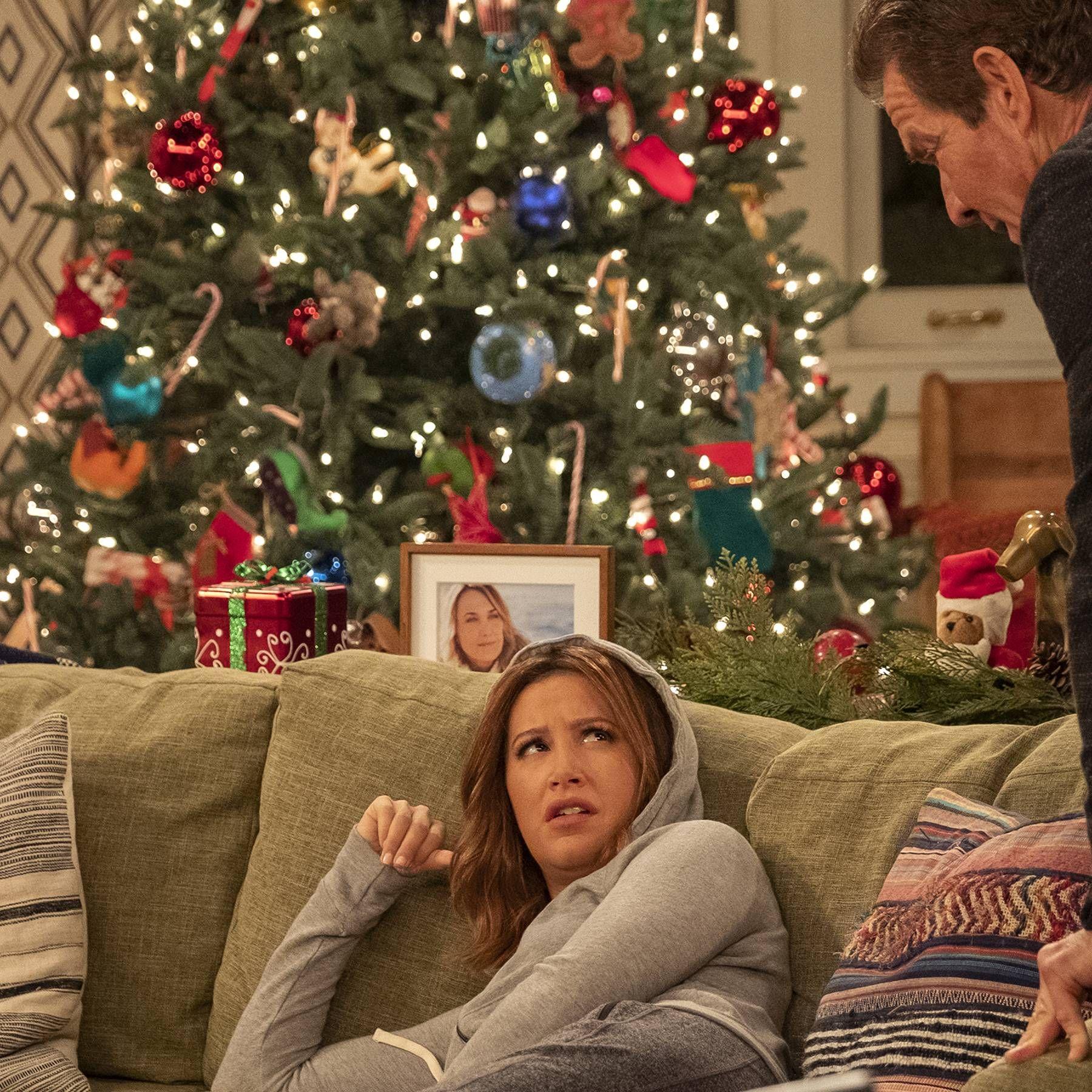 Netflix Christmas Movies 2019 The Best Festive Films Glamour Uk Netflix Christmas Movies Christmas Episodes Christmas Movies