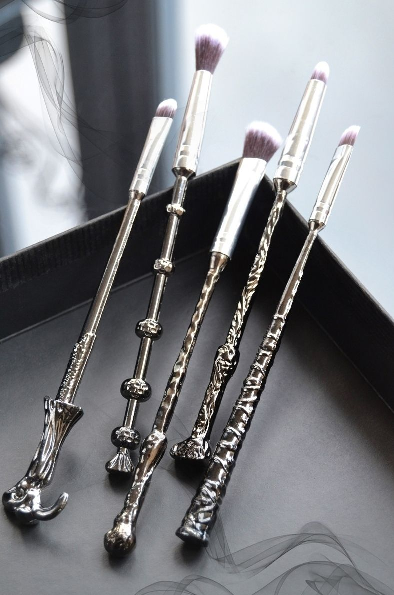 eBay Review: Wizard Wand Makeup Brushes for Muggles