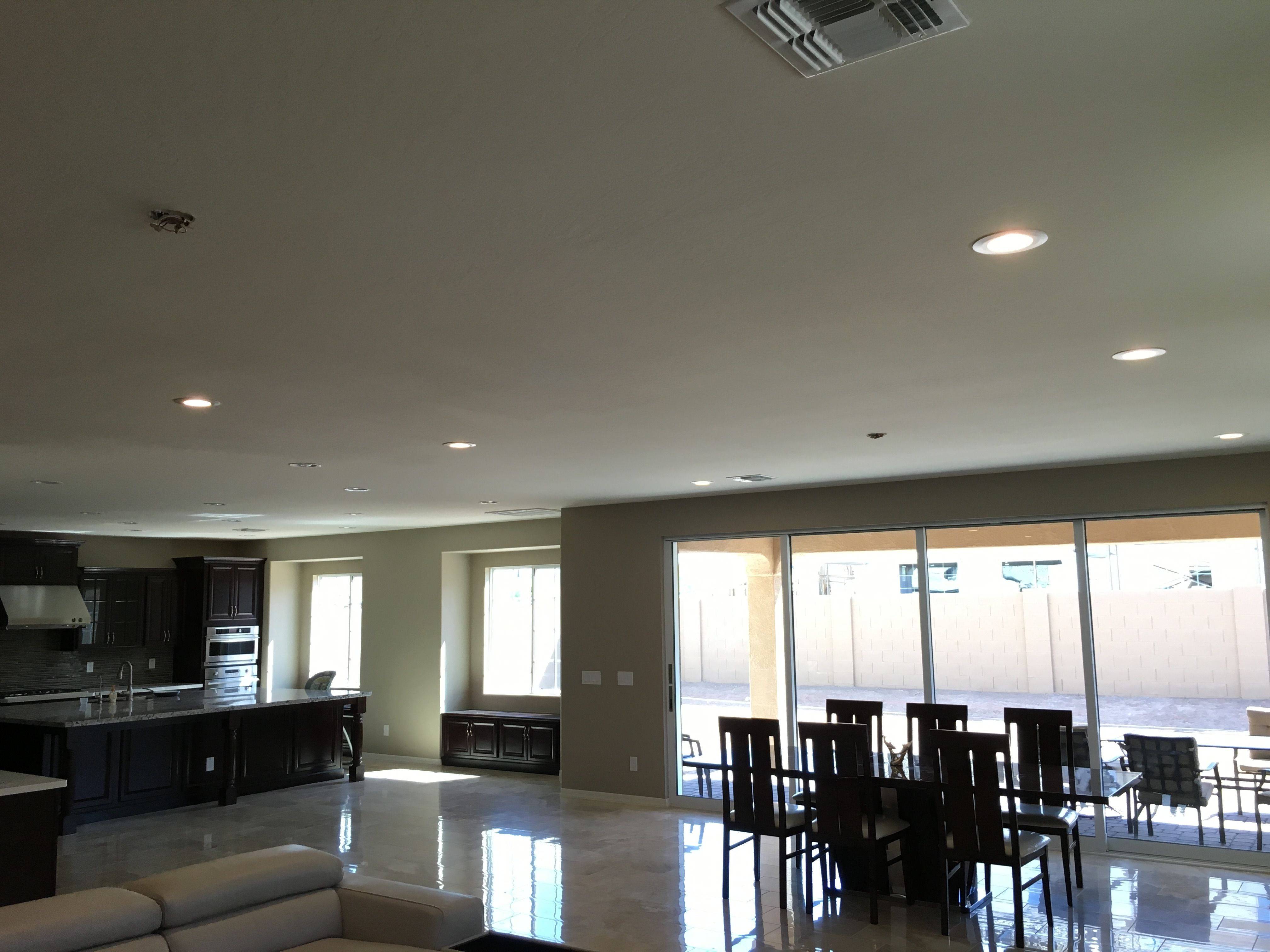 AZ Recessed installation of LED lights in a brand new build before ...