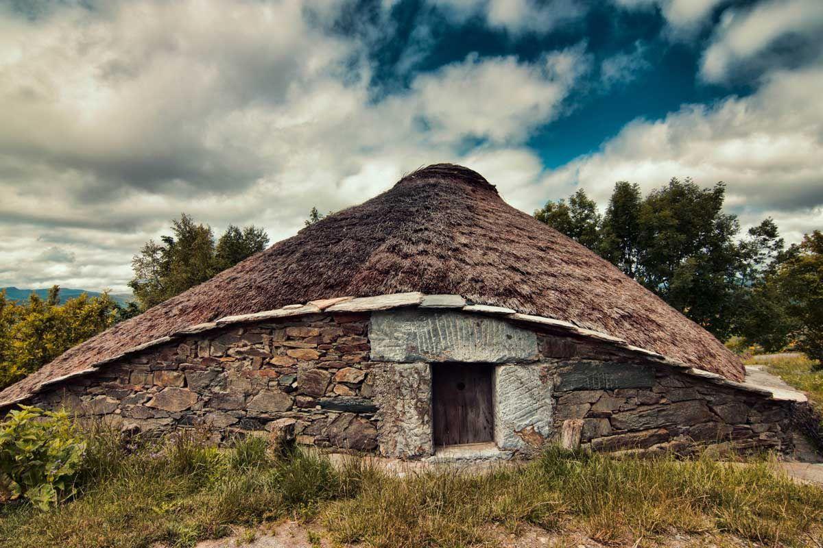 31 cosas que ver y hacer en el camino de santiago for Tejados galicia