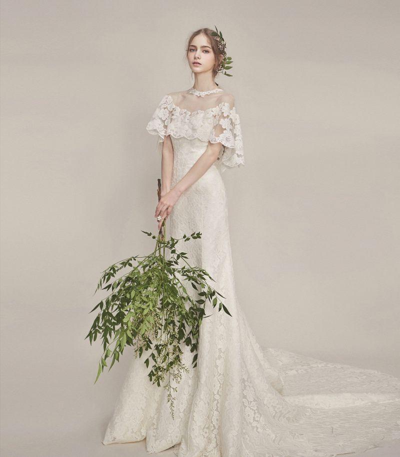 23 Beautiful Vintage Inspired Wedding Dresses That Bring A Timeless Look Praise Wedding Vintage Inspired Wedding Dresses Classic Wedding Dress Beautiful Wedding Dresses