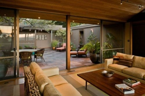 Maison Tropicale Ouverte Avec Cour Intérieure Et Superbes Boiseries