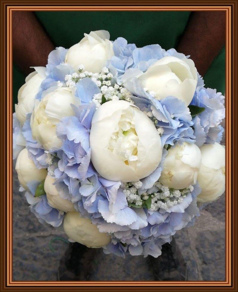 Bouquet Sposa Peonie E Ortensie.Bouquet Di Matrimonio Con Peonie Bianche Ed Ortensie Celeste