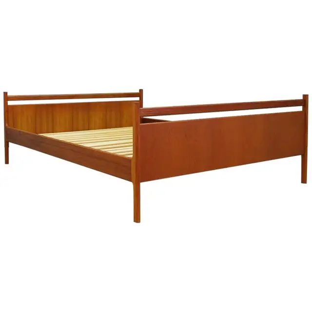 Antique and Vintage Beds and Bed Frames 1,751 For Sale