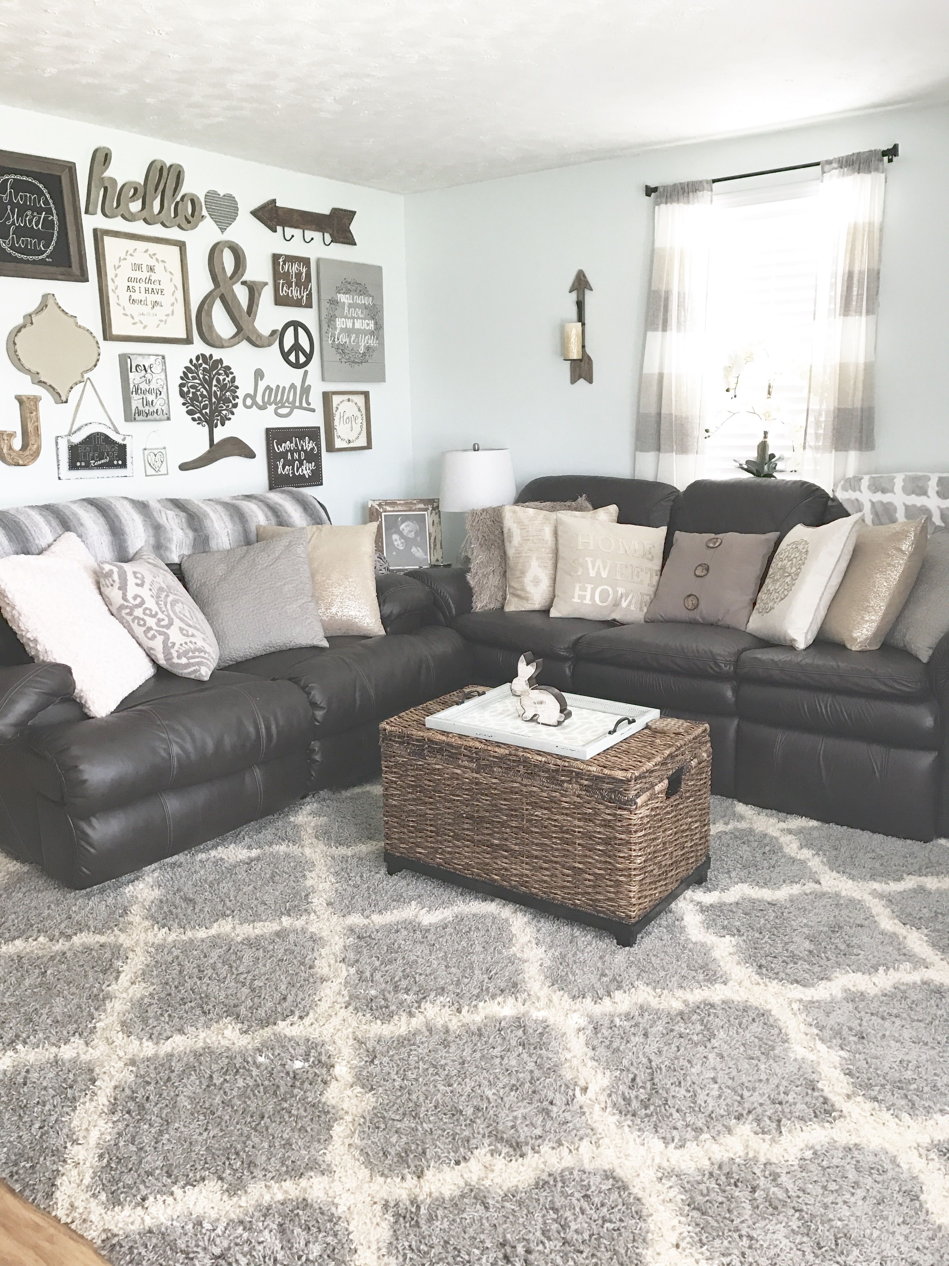 Brown Couch Pillow Ideas Chic Details For Cozy Rustic Living Room Décor Living Room