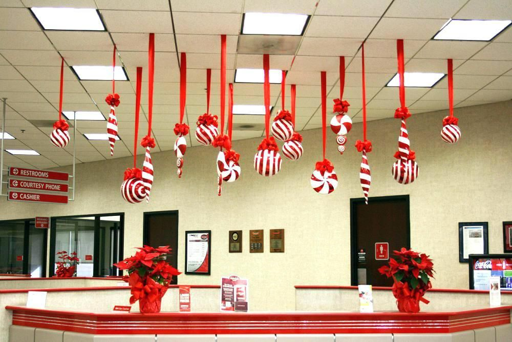 Best Office Decoration Lovable Christmas Themes For