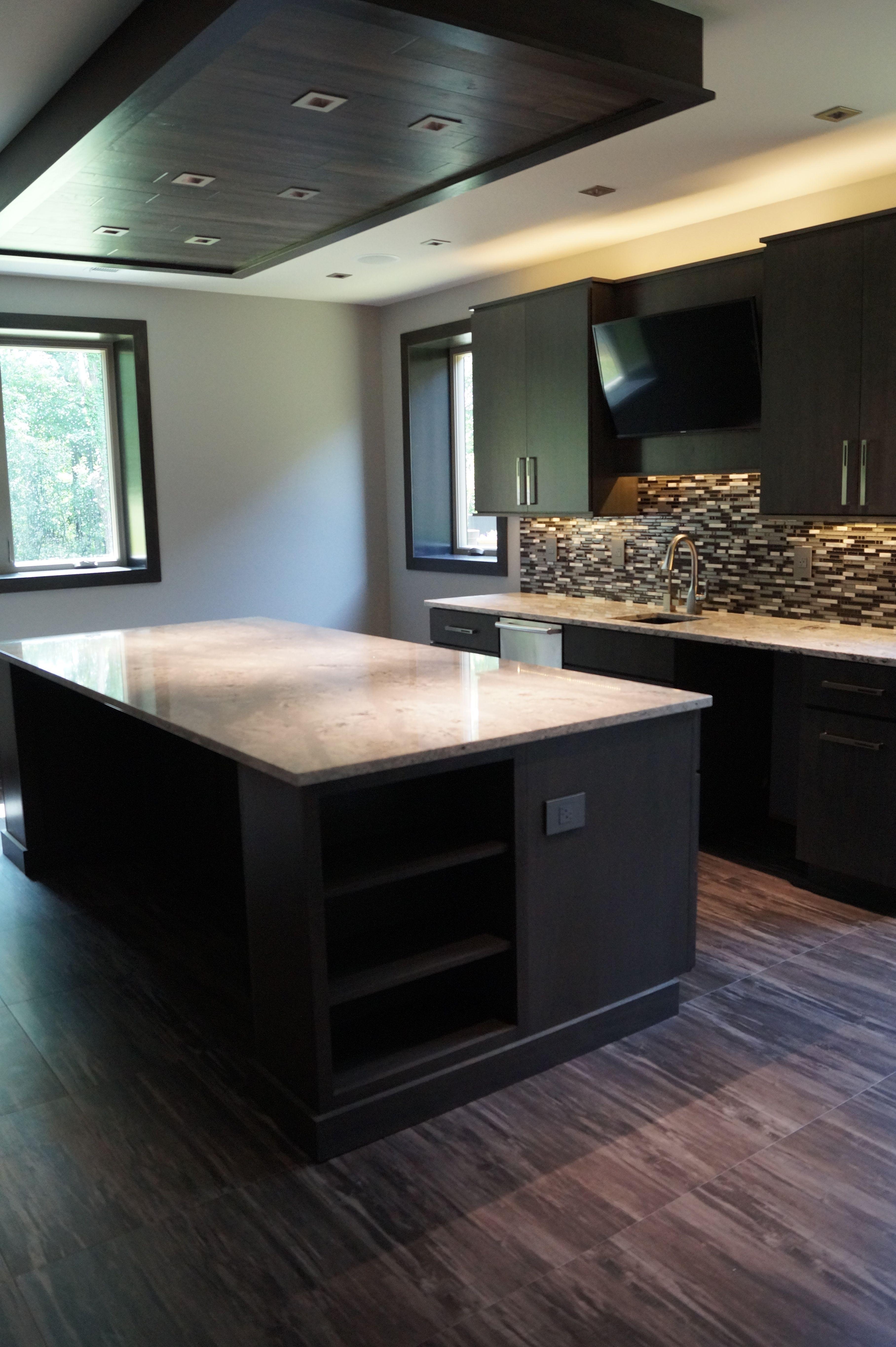 Bar With Luxury Vinyl Tile Flooring Keuken