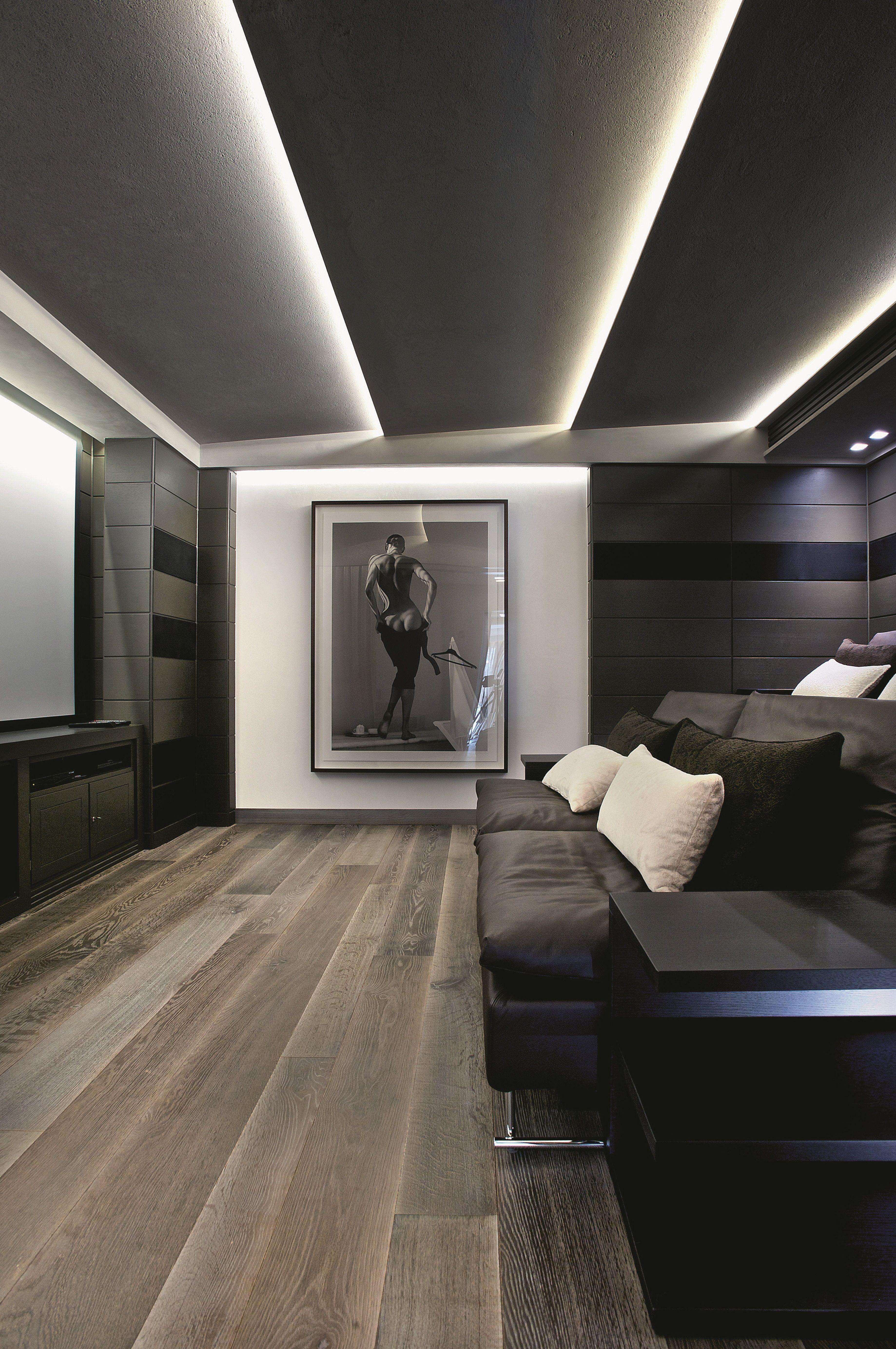 teto em gesso e ilumina o indireta com cord o de led d o o tremendo charme a movie room. Black Bedroom Furniture Sets. Home Design Ideas