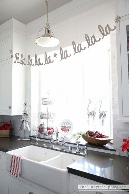 90 adorable rustic christmas kitchen decoration ideas on home depot paint sales this week id=15246