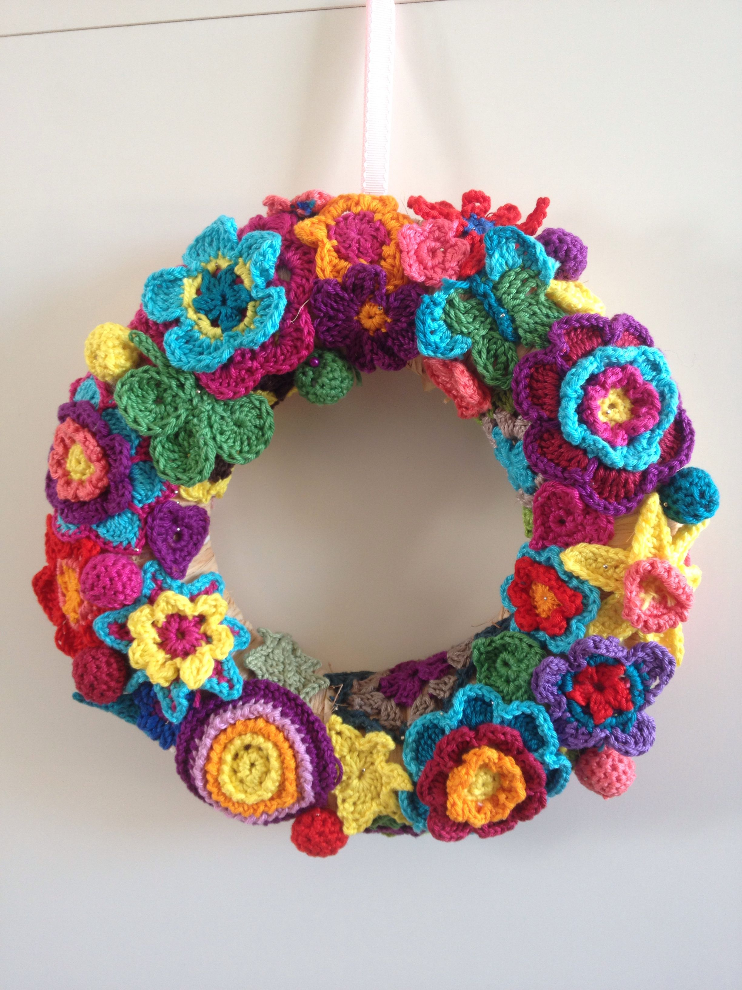 Blumenkranz (crochet, häkeln) flower crochet wreath | Türkranz ...