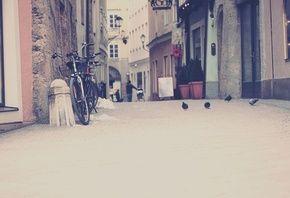стоит, велосипед, улица, тратуар, дома, город, City