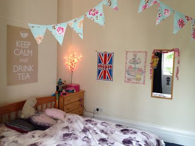 Bunting is such a cheap and easy way to make your mark on your student room!  | Follow for more > http://www.pinterest.com/iqstudents/