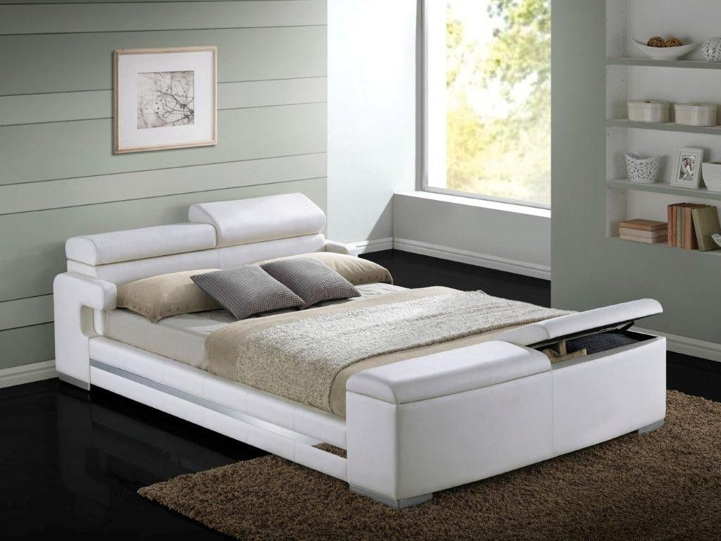 ACME Layla Queen Size Bed