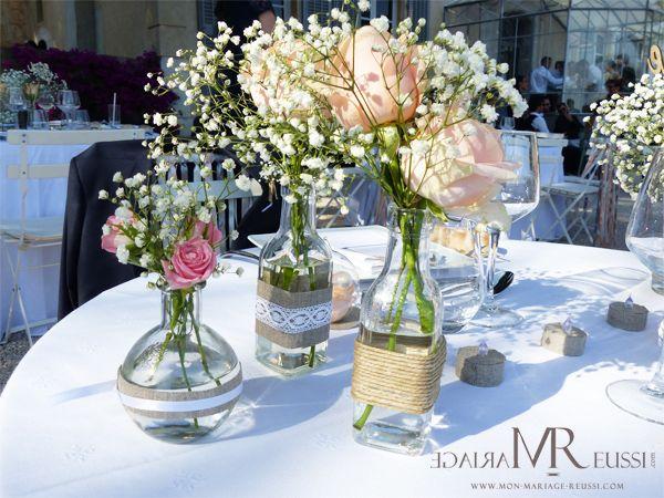 Composition de diff rents vases en verre avec bouteille d - Position des verres sur une table ...