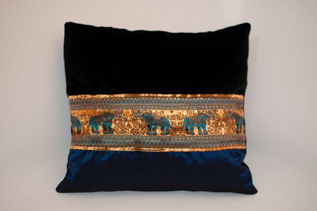 orientalische kissen goldenen elefanten von kasiala auf elefant pinterest. Black Bedroom Furniture Sets. Home Design Ideas