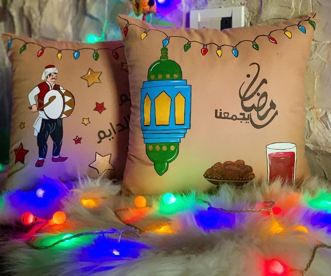 أهلا بالروتين الذي لا ي مل منه و شعور السلام في كل مكان و أصوات المساجد و الإيمان أهلا رمضان Christmas Ornaments Hand Painted Novelty Christmas