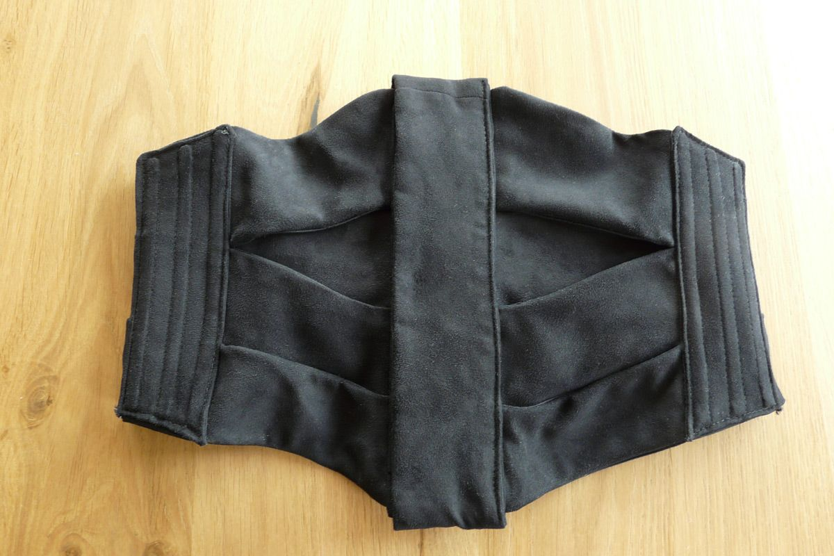 1905-10 black fake suede ribbon corset
