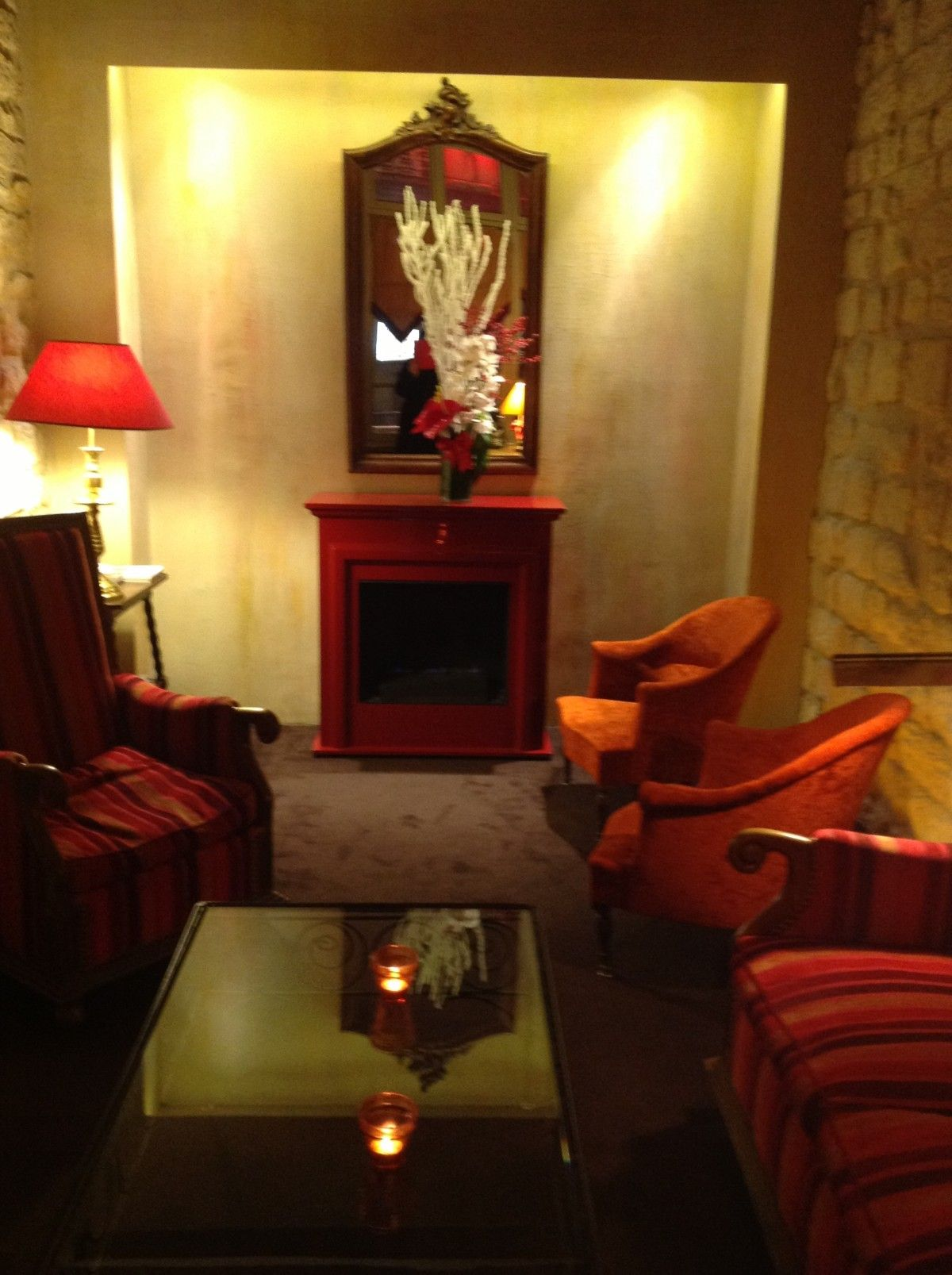 Welcoming reception area at the Hotel St.Paul Rive Gauch