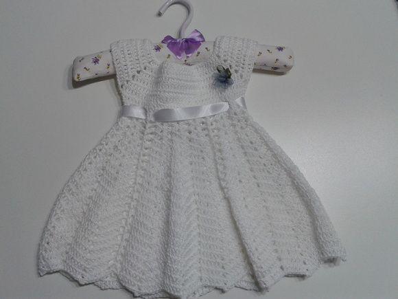 Vestidinho infantil em crochê