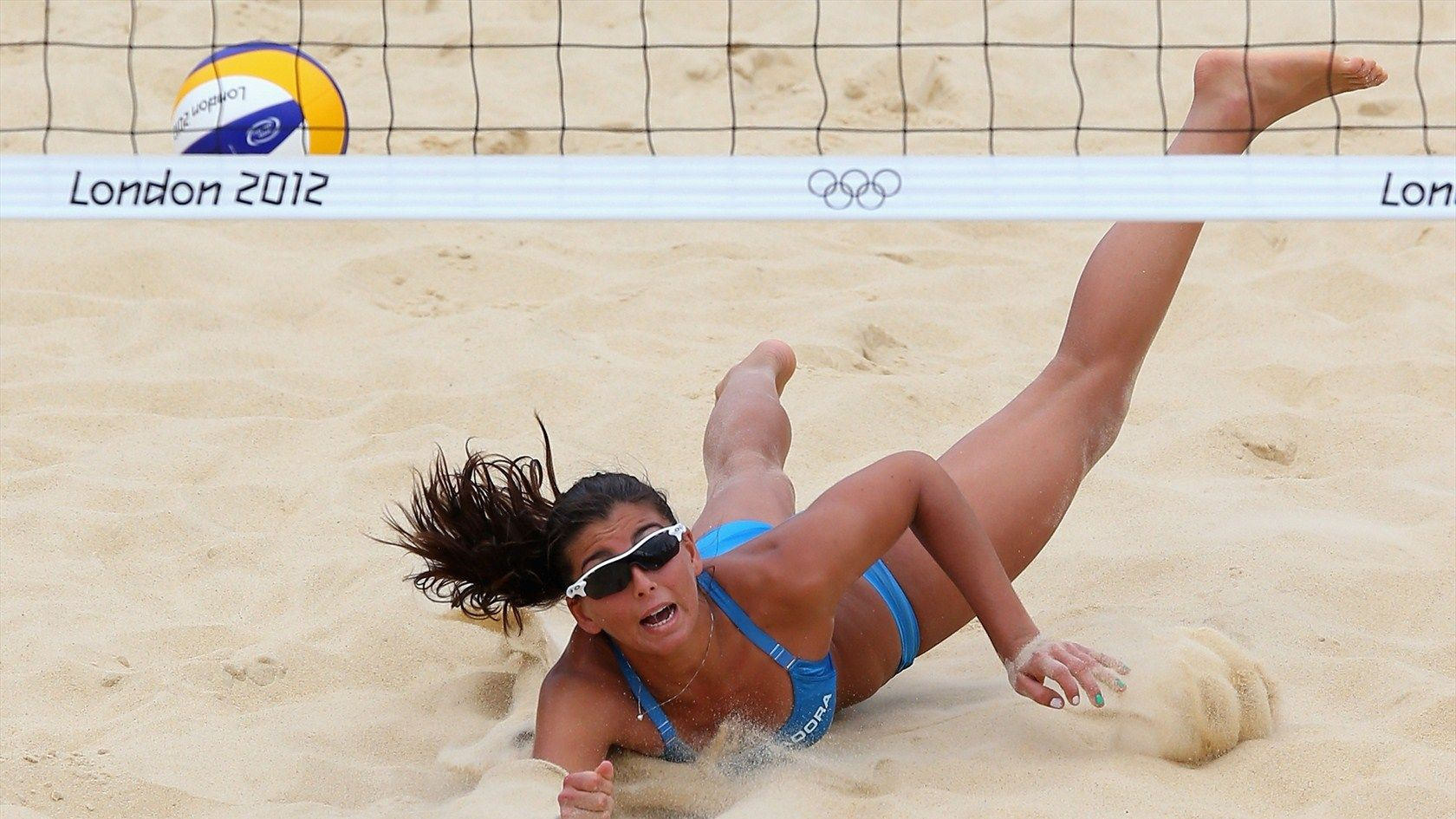 Italian Beach Volleyball Player Marta Menegatti Throws Herself To Dig The Ball In Her Day 6 Match Again C Beach Volleyball Beautiful Athletes Volleyball Photos