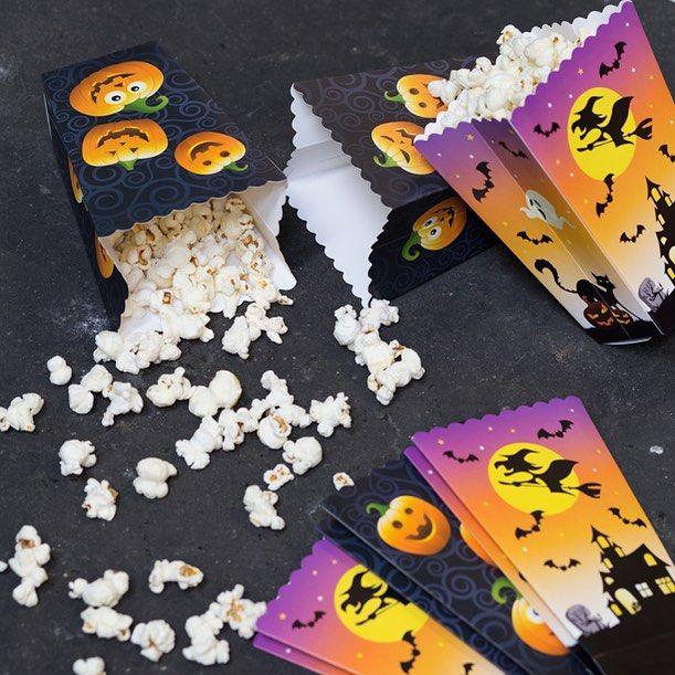 Halloween paper cups. 3 pcs. Price DKK 7,70 / SEK 10,80 / NOK 9,90 / EUR 1,08 / ISK 227#halloweendecoration #halloweenpynt #popcorncup #popcornbæger #sostrenegrene #søstrenegrene