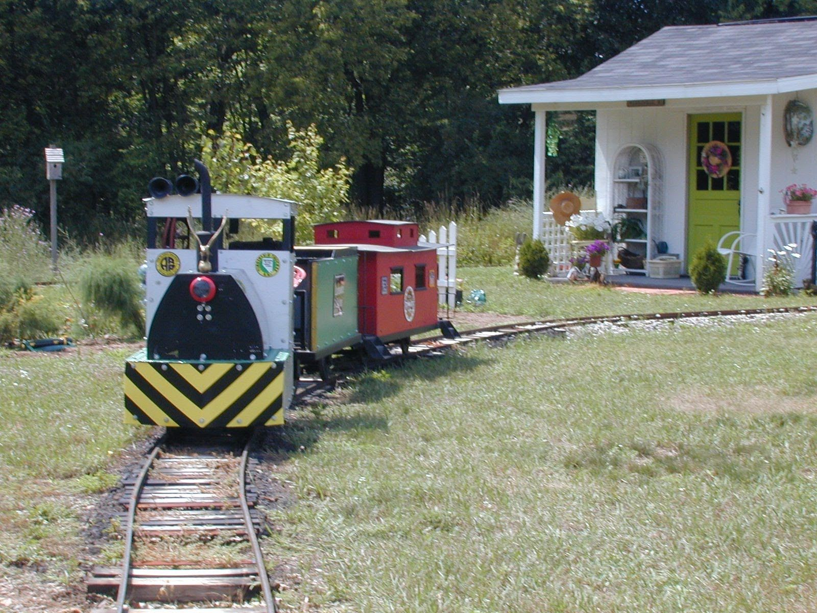 Backyard Railroad Locomotives backyard railroad truck construction | trains | pinterest | train