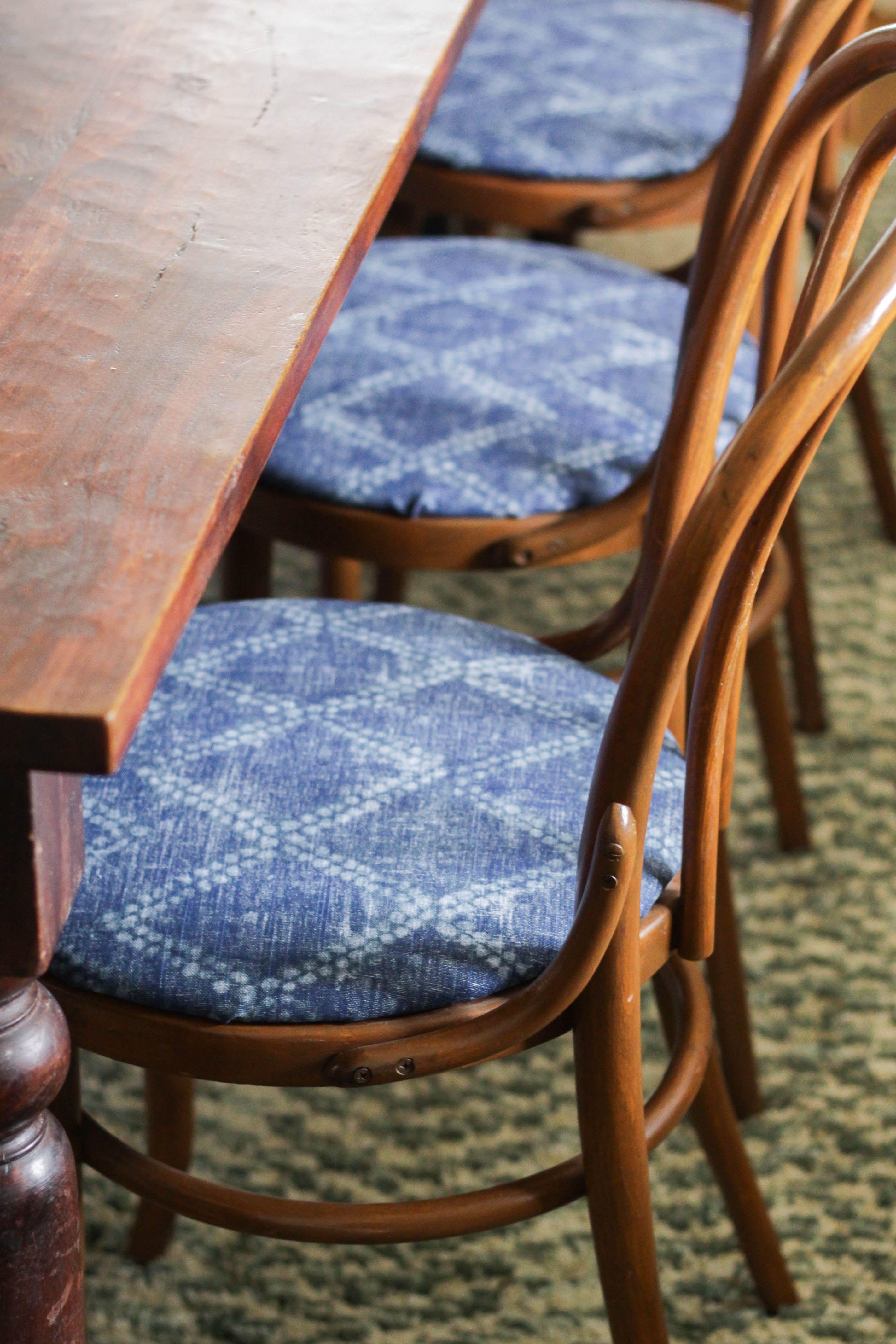 How To Reupholster Round Chair Seats Inspiring Diys Furniture